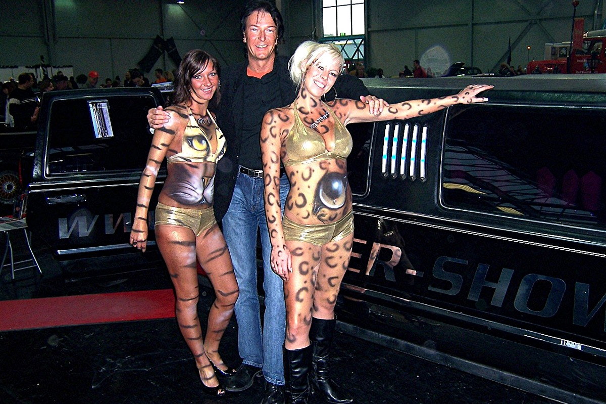 RANDY mit Bodypainting Models